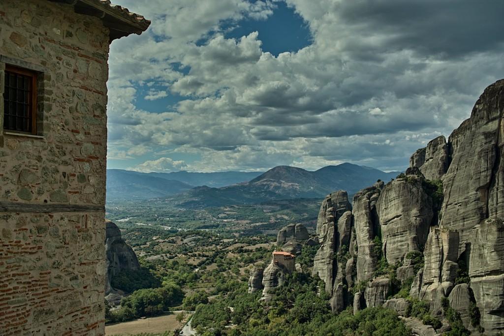 Blick von Kloster Roussano auf die Kleckerburgen