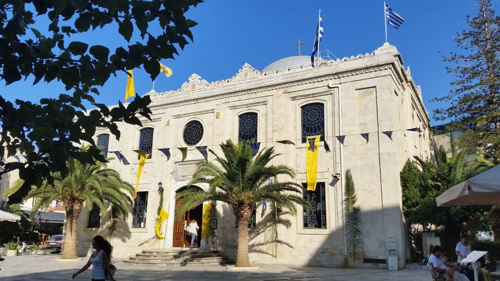 """Die """"Kirche"""" Aghios Titos"""" in Iraklio. Erbaiut als Moschee. Das Minarett wurde 1920 nierdergerissen, das Gebäude als christliche Kirche geweiht."""