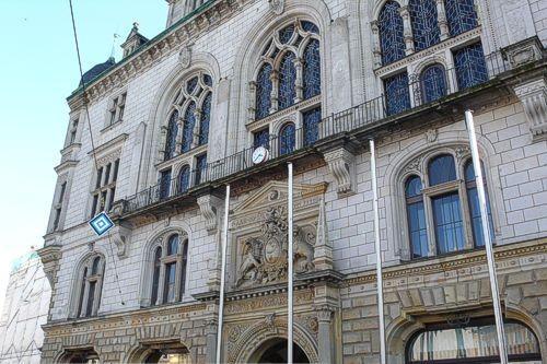 Stadthaus Halle mit den Sitzungssälen für die Ausschüsse und den Stadtrat.