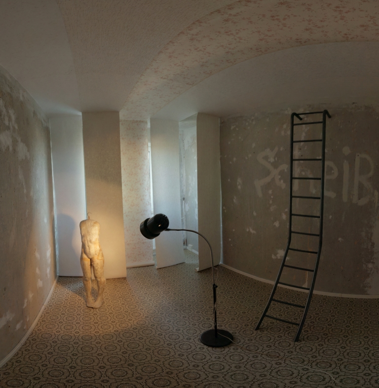 """Kunstpreis 2012_Ginan Seidl, """"Wohnungsreisen. Stadt aus Silber"""", Installation (Ausschnitt), 2012._klein_Foto Ray Peter Maletzki, Rosenpictures.com"""