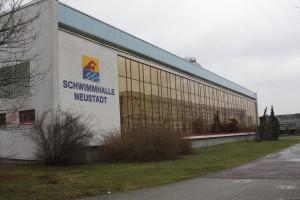 _Schwimmhalle Neustadt