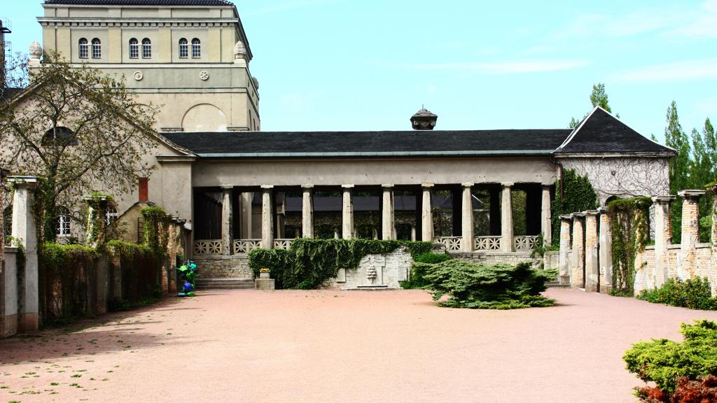 Der Haupteingang des Gertraudenfriedhofs, der als solcher von den Hallensern nicht angenommen, geschweige denn wahrgenommen wird.