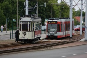 Entgleiste Straßenbahn3