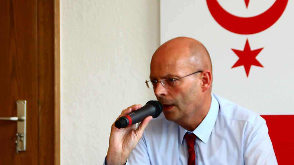 """""""Man zieht uns runter auf die Höhe von Magdeburg"""", so Oberbürgermeister Bernd Wiegand nach einem Treffen mit Kultusminister Stephan Dorgerloh."""
