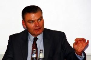 """Innenminister Holger Stahlknecht (CDU): Crystal ist eine Modedroge, """"die theoretisch jeder in seiner Küche zuhause machen kann""""."""