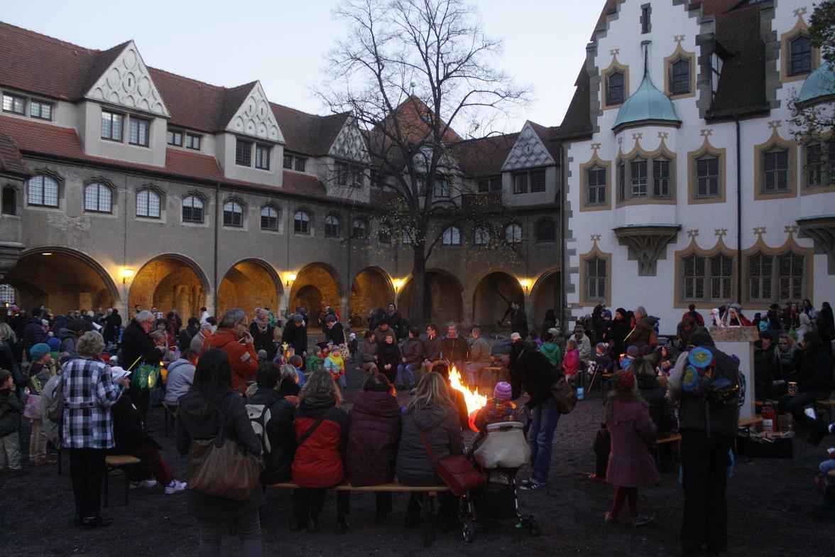 Martinstag Umzuge Und Martinsfeuer In Den Kirchgemeinden In Halle Hallespektrum De Onlinemagazin Aus Halle Saale
