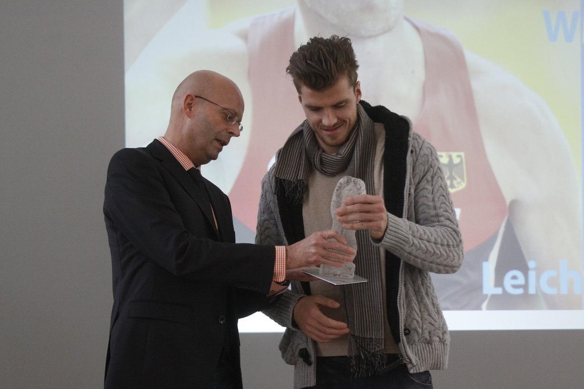 Rico Freymuth bei der Wahl zum Sportler des Jahres mit OB WIegand
