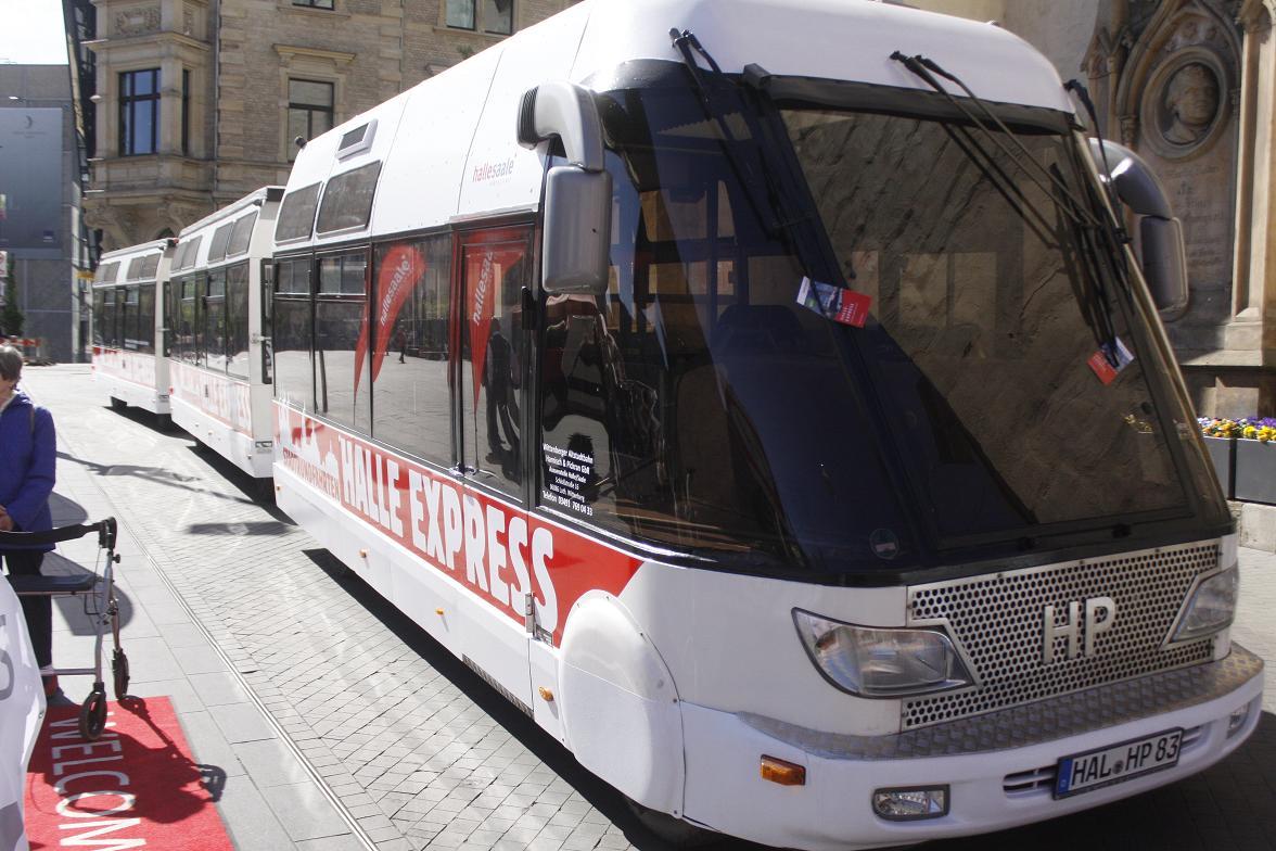 Halle Express Altstadt Bahn Rollt Auf Vier Routen Durch