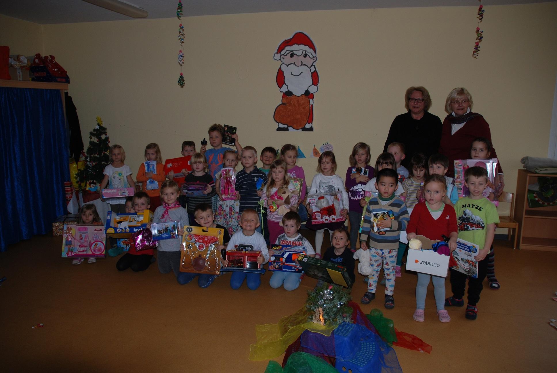 Weihnachtsgeschenke für 480 bedürftige Kinder - HalleSpektrum.de ...