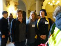 Die Iris-Frauen mit der Ministerin