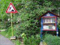 Eine kleine freie Bibliothek (Little free library) in Halle