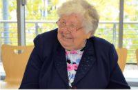 Die Auschwitz-Überlebende Anastasia Gulei aus der Ukraine stimmte interessierte Pädagogen bei einem Workshop in der Landeszentrale auf das Thema Gedenkstättenfahrten für Schulen ein. Fotoquelle: Landeszentrale für politische Bildung.