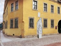 Verhülltes Wolff-Denkmal